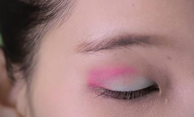 Trang điểm mắt 3 màu