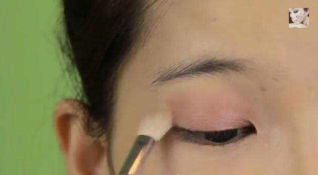 trang điểm mắt nâu